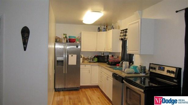 Detached Housing, Ranch - Bellevue, NE (photo 3)