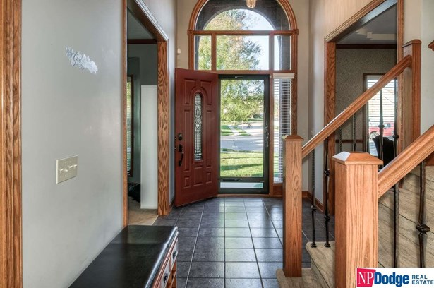 Detached Housing, 2 Story - Papillion, NE (photo 3)