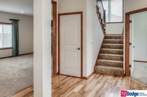 1.5 Story, Detached Housing - Papillion, NE (photo 4)