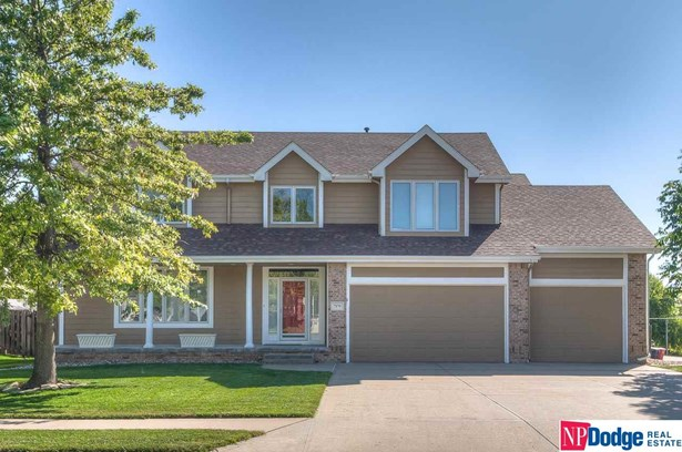 Detached Housing, 2 Story - La Vista, NE (photo 1)
