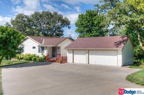 Attached Housing, Ranch - Plattsmouth, NE (photo 1)