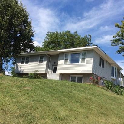 Split Entry, Single Family Residence - CARSON, IA (photo 1)