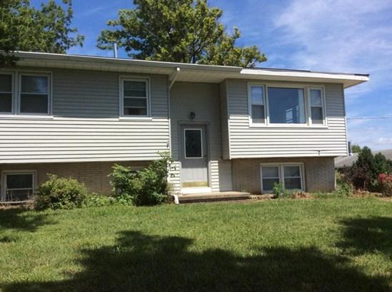 Split Entry, Single Family Residence - CARSON, IA (photo 2)