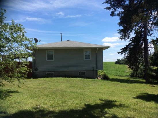 Split Entry, Single Family Residence - CARSON, IA (photo 5)