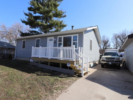 Single Family Residence, Ranch - CARTER LAKE, IA