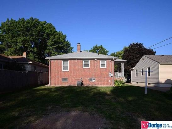Raised Ranch, Detached Housing - Omaha, NE (photo 3)