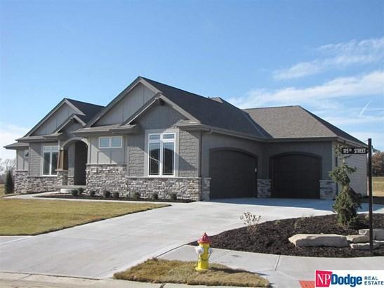Attached Housing, Ranch - Gretna, NE (photo 2)