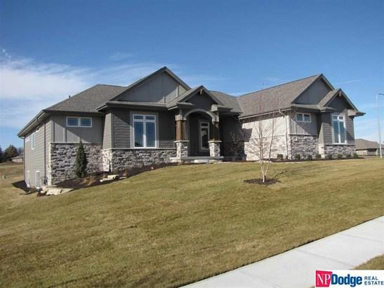Attached Housing, Ranch - Gretna, NE (photo 4)