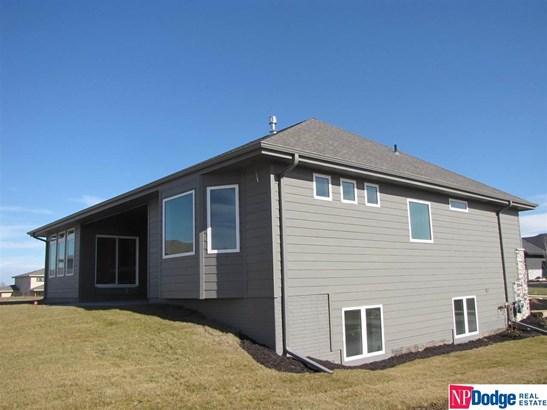 Attached Housing, Ranch - Gretna, NE (photo 5)