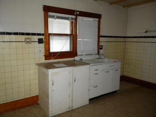 Single Family Residence, 2 Story - MALVERN, IA (photo 4)