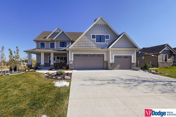 Single Family Residence, 2 Story - Papillion, NE