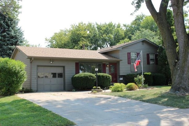 Single Family Residence, Multi-Level - OMAHA, NE (photo 2)