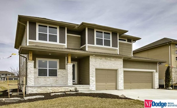 Detached Housing, 2 Story - Council Bluffs, IA (photo 1)