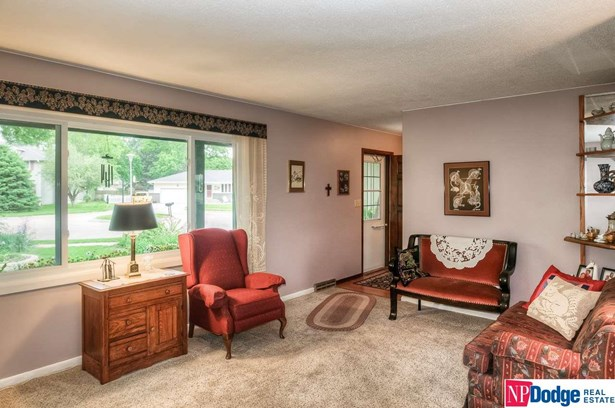 Detached Housing, 2 Story - Fremont, NE (photo 5)