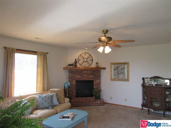 Attached Housing, Ranch - Blair, NE (photo 2)