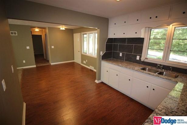 Detached Housing, Ranch - Ralston, NE (photo 4)