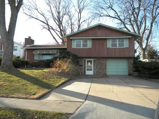 Single Family Residence, Multi-Level - BELLEVUE, NE (photo 1)