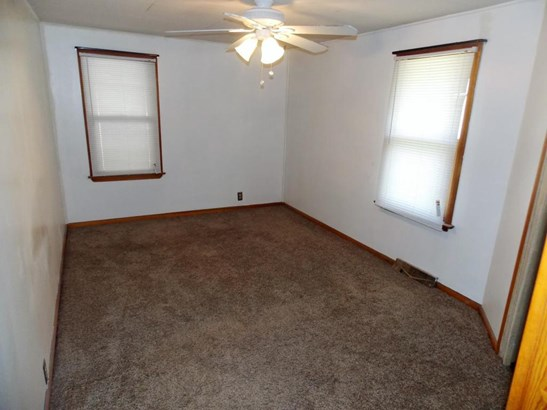 Raised Ranch, Single Family Residence - LITTLE SIOUX, IA (photo 5)