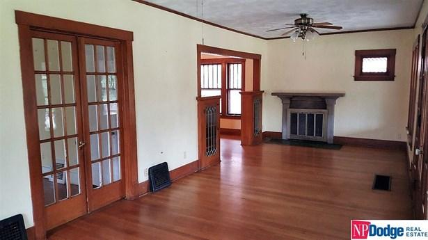 Attached Housing, 1.5 Story - Omaha, NE (photo 2)