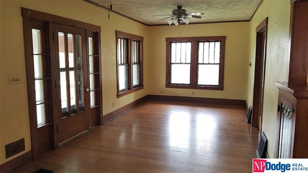 Attached Housing, 1.5 Story - Omaha, NE (photo 3)