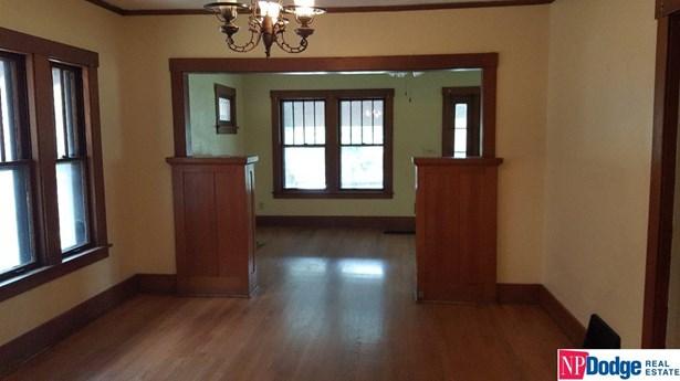 Attached Housing, 1.5 Story - Omaha, NE (photo 4)