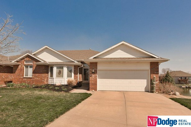 Attached Housing, Ranch - Council Bluffs, IA (photo 1)