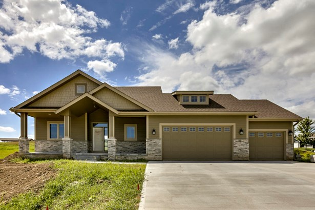 1.5 Story, Single Family Residence - GLENWOOD, IA (photo 1)