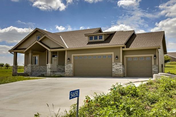 1.5 Story, Single Family Residence - GLENWOOD, IA (photo 2)