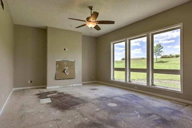 1.5 Story, Single Family Residence - GLENWOOD, IA (photo 4)