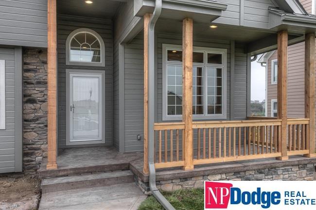 1.5 Story, Detached Housing - Papillion, NE (photo 2)