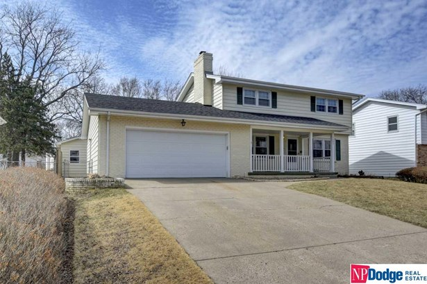 Detached Housing, 2 Story - Bellevue, NE (photo 2)