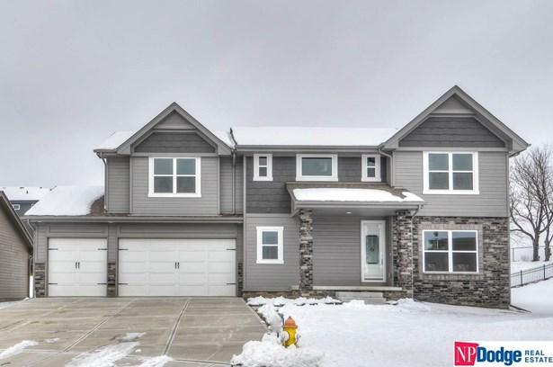 Single Family Residence, 2 Story - Bellevue, NE