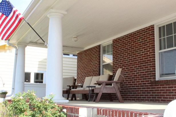 Single Family Residence, 2.5 Story - MISSOURI VALLEY, IA (photo 3)