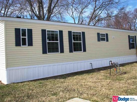 Mobile Home, Detached Housing - Blair, NE (photo 4)