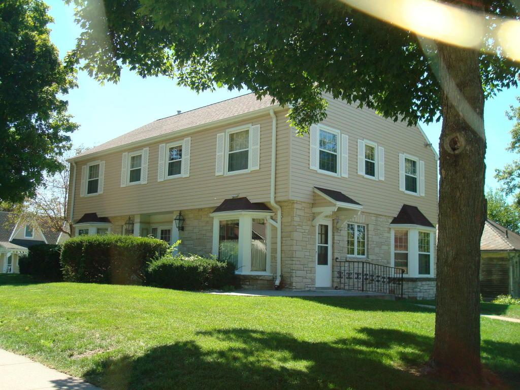 Single Family Residence, 2 Story - OAKLAND, IA (photo 2)