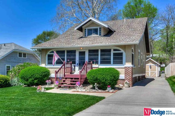 1.5 Story, Single Family Residence - Council Bluffs, IA