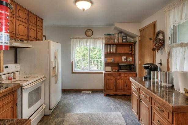 Single Family Residence, 2 Story - SIDNEY, IA (photo 5)