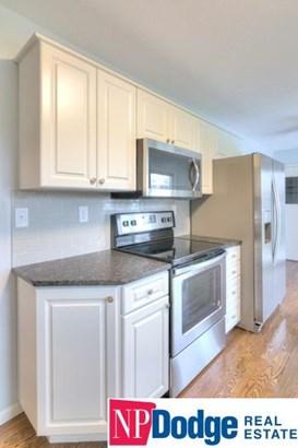 Detached Housing, Multi-Level - Fremont, NE (photo 5)