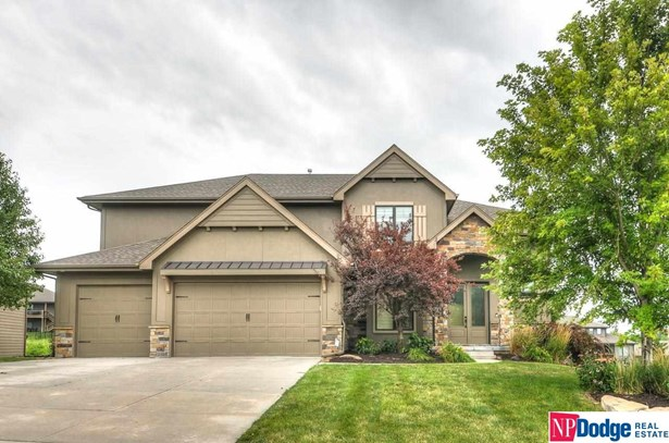 Single Family Residence, 2 Story - Elkhorn, NE