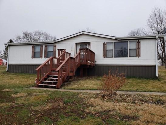 Raised Ranch, Single Family Residence - VILLISCA, IA (photo 1)