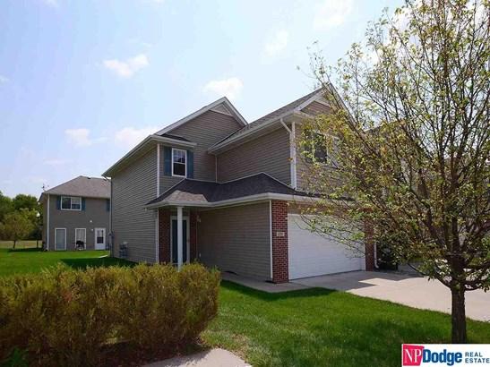 Attached Housing, 2 Story - Omaha, NE (photo 1)