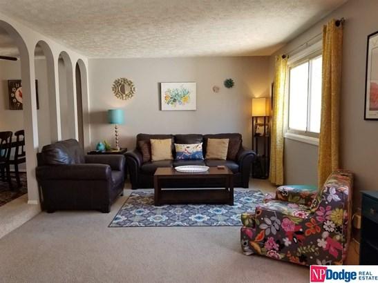 Attached Housing, Condo/Apartment Unit - Bellevue, NE (photo 4)