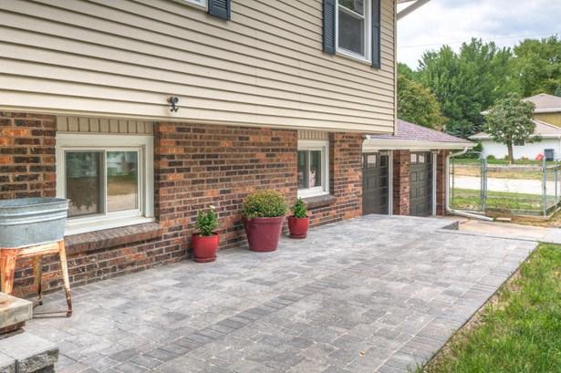 Split Entry, Single Family Residence - TREYNOR, IA (photo 4)
