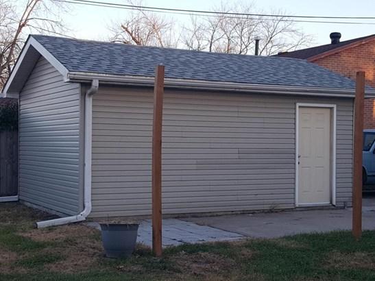 Split Level, Single Family Residence - CARTER LAKE, IA (photo 2)