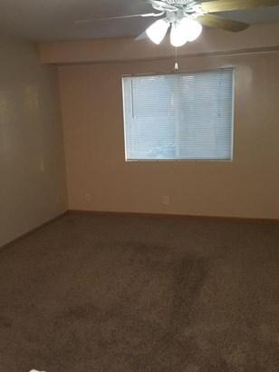 Split Level, Single Family Residence - CARTER LAKE, IA (photo 4)