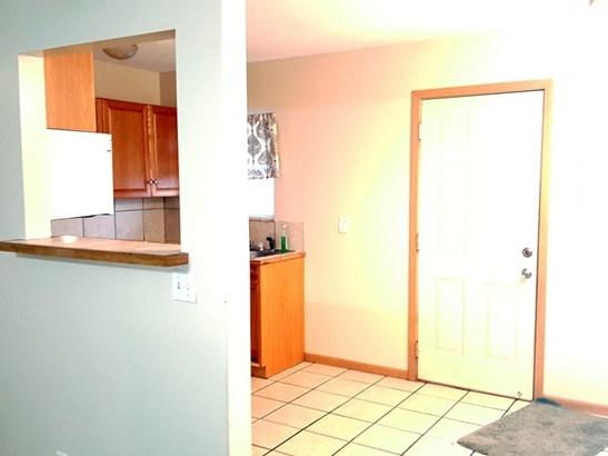 Split Level, Single Family Residence - CARTER LAKE, IA (photo 5)