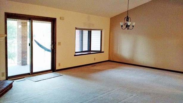 Condo/Townhouse 3rd Floor & Above, 1.5 Story - COUNCIL BLUFFS, IA (photo 4)