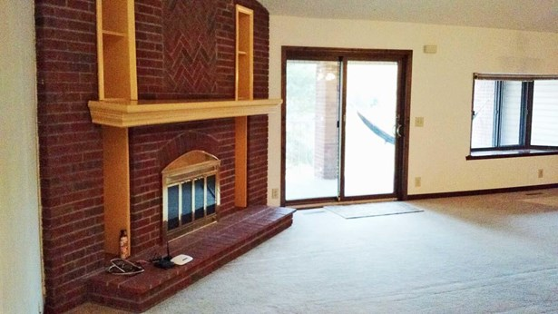 Condo/Townhouse 3rd Floor & Above, 1.5 Story - COUNCIL BLUFFS, IA (photo 5)