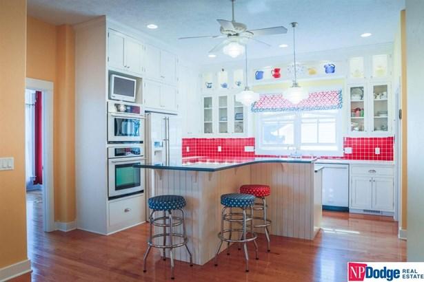 1.5 Story, Detached Housing - Underwood, IA (photo 3)