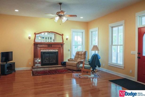 1.5 Story, Detached Housing - Underwood, IA (photo 5)